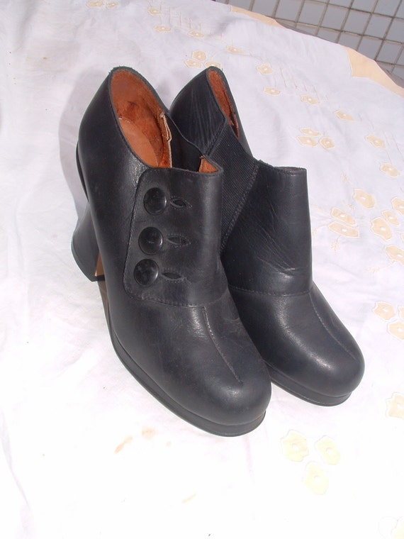 Victorian shoes made in Italy  unworn circa 1950's size 38