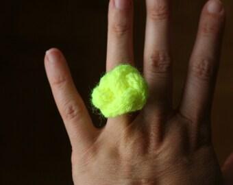 Neon yellow wool knot ring