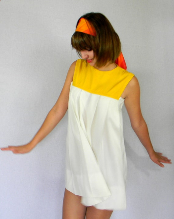 RESERVED for Amber. SALE Vintage Dress 70s Yellow White Mod Shift Dress Easter. Color Block. Pleated Dress. Trapeze Dress. Mad Men. Mini.