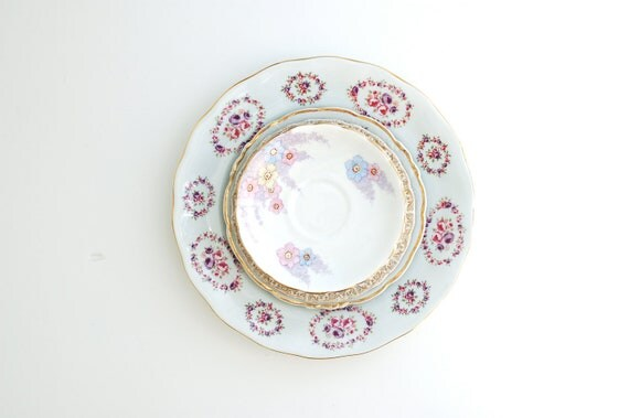 Instant Collection of 5 Vintage Plates in Pinks and Purples