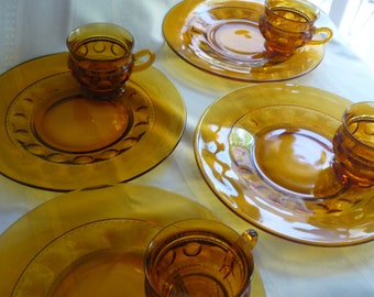 Kings Crown Amber Snack Set Service of Four