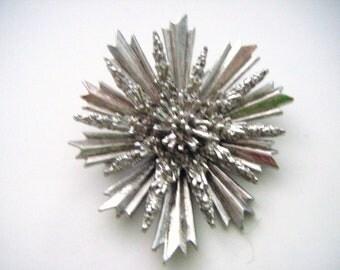 Fabulous Vintage Silver Starburst Brooch A Work Of Art!