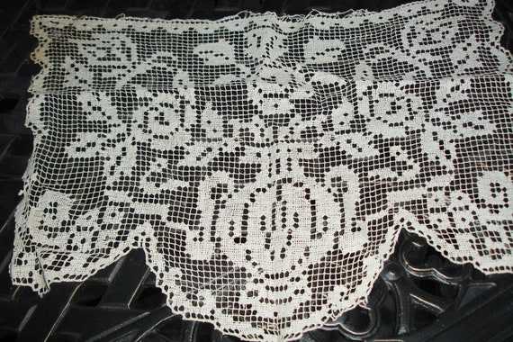 French Antique Filet Lace 1900's Gorgeous detailing
