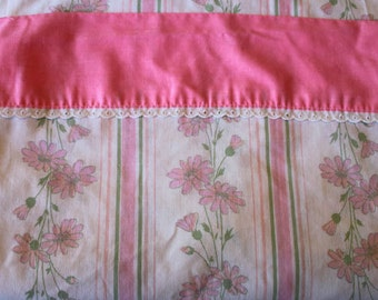 Vintage Full Flat Sheet Pink border white eyelet LACE and pink peach flowers and STRIPES, FLORAL,Solid pink stripe at top, pink daisy sheet