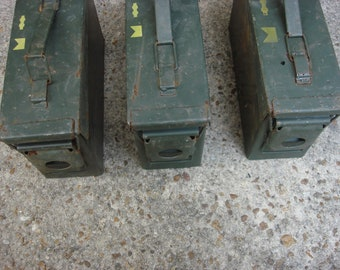 10 US Military Surplus Ammo Cans 30 Cal Size GREAT as a Geocaching box