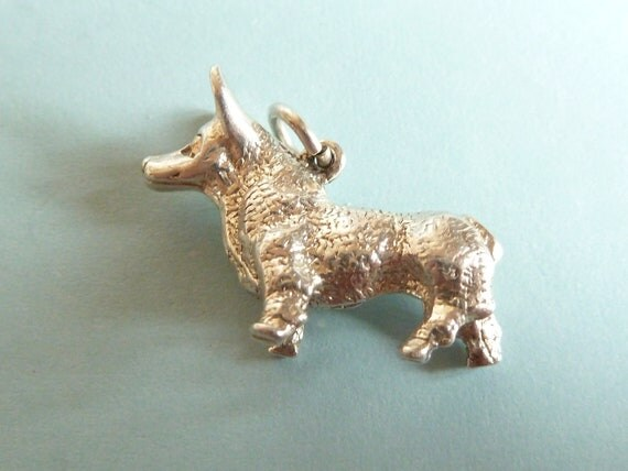 Vintage  English Sterling Silver Heavy Corgi Dog Charm Pendant  Bracelet charm