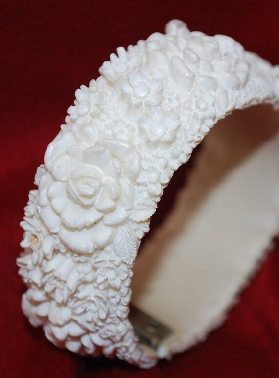 Reserved Anacharin Rat Vintage White Floral Celluloid Bracelet