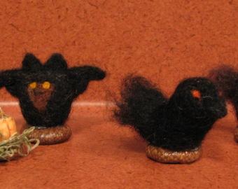 4 little Halloween decor, bat, pumpkin, black crow and owl, needle felted, acorn top base