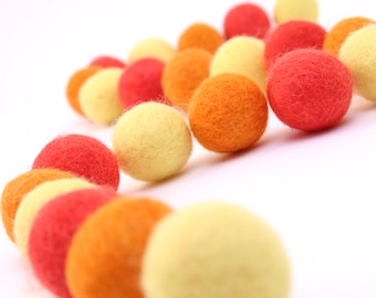 Wool Felt Balls // DIY Garland // DIY Mobile // DIY Necklace // Wool Beads // Sunburst Color Set // 2.5 cm // 30 Count