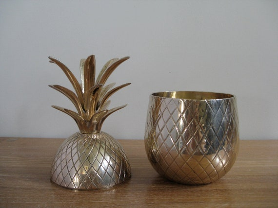 Vintage large brass pineapple ice bucket, trinket box, candleholder, 9.5 inches tall, Hollywood regency, retro, mid century