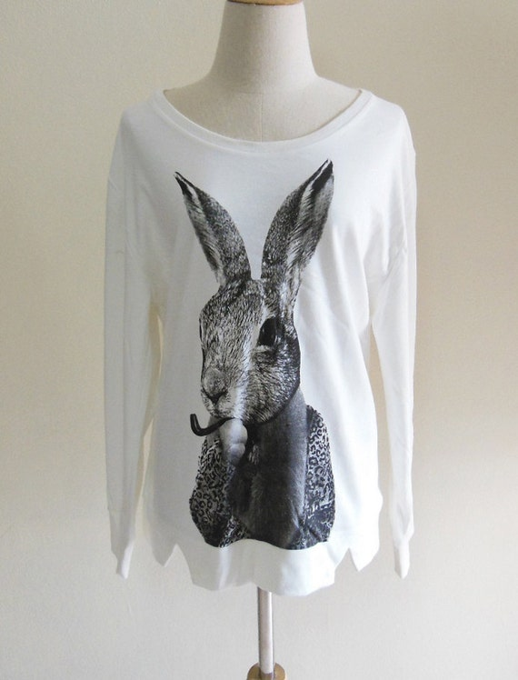 Bunny Rabbit Smoking Pipe Cigar T shirt Style Women T-Shirt Animal T-Shirt Sweater Long Sleeved White Sweatshirt Screen Print Size L