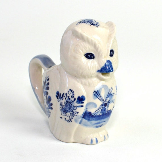 Delft Blauw Style Dutch Owl Creamer - Hand Painted Ceramic Mug, White and Blue - Vintage Home Kitchen Decor or Use