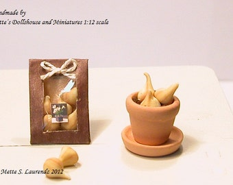 Dollhouse Flower Bulb Bag - 1 pcs. - 1/12 Scale miniature garden item (GF27)