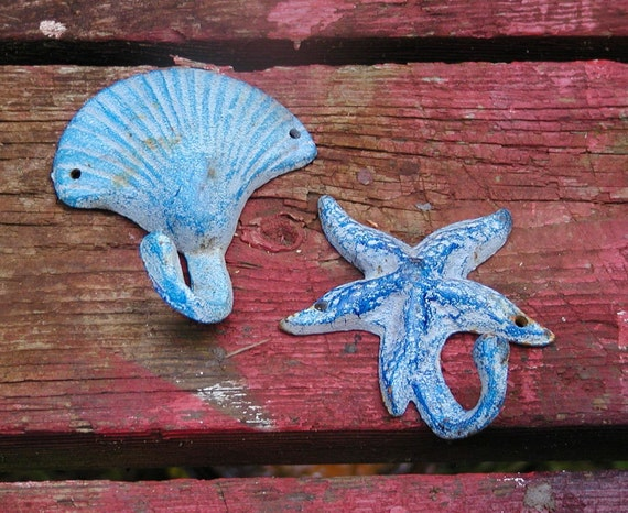 Beach Theme Hooks - Seaside Decor Your Beach Bungalow -  Starfish and Shell