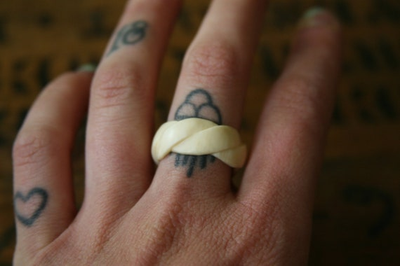 Ivory Rope Ring // Pre-ban Vintage Ivory Size 9