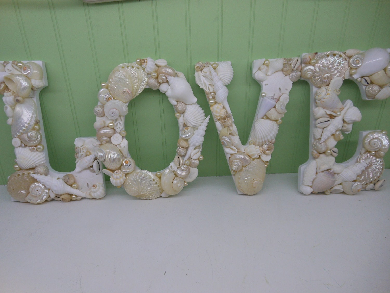 Beach decor shell letters love white shell letters wooden for Shells decorations home