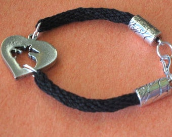 Marine in her heart bracelet - kumihimo braid - carved pewter