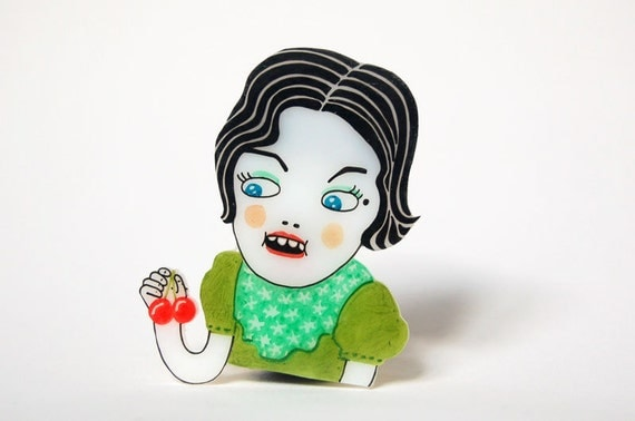 AUDREY HORNE - shrink plastic brooch