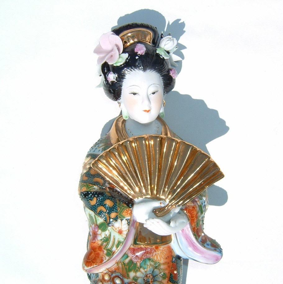 Geisha Girl Japanese Porcelain Figurine Lavishly Decorated