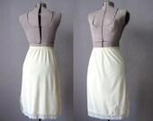60s Slip Pastel Yellow / 1960s Komar Lingerie Lace Slip / Elastic Waist Half Slip / Size Medium