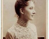 DISCOUNT. 1889 Cabinet card cdv Photo. Beautiful portrait Woman in nice Costume