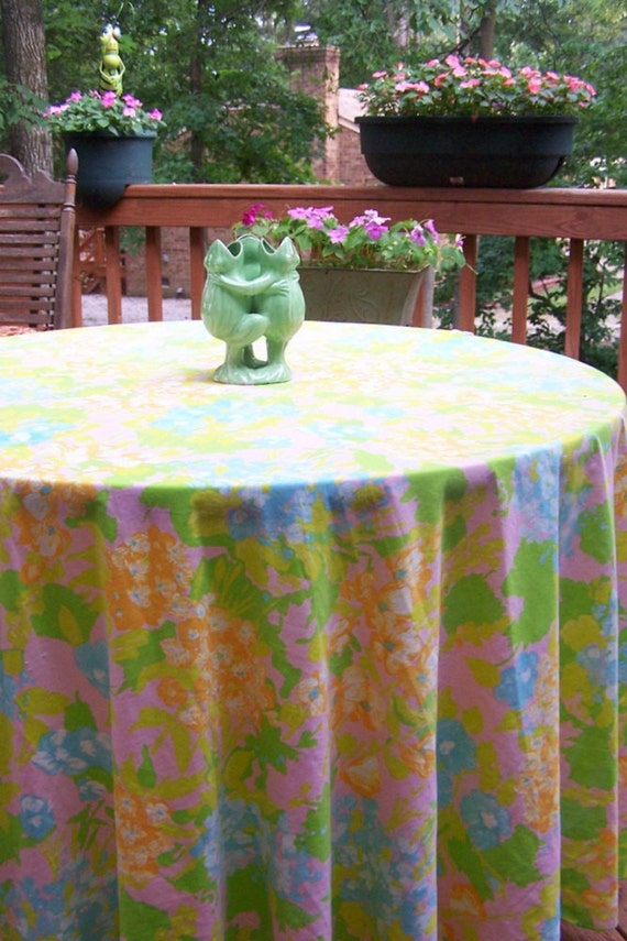 Beautiful Huge Vintage 96 inch Round Watercolor Floral Tablecloth