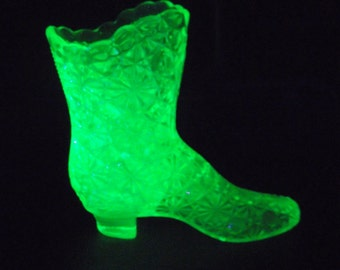 Fenton Vaseline Glass Daisy and Button Pattern Boot