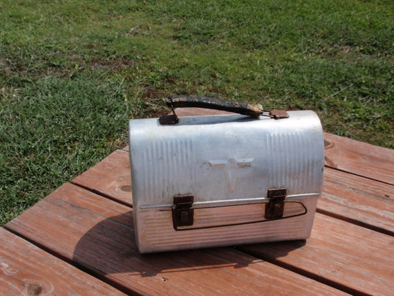 Vintage Metal Lunch Pail / Working Man's Lunchbox / Industrial Decor