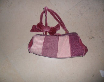 Vintage Boho, carpetbag style pink purse in Excellent Condition