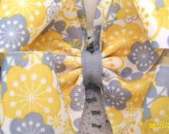 Yellow  and Gray Hair Bow....Boutique Bow...Girls Hair Bow....Toddler Hair Bow