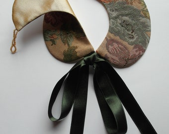 Handmade Peter Pan style collar in autumn colours.