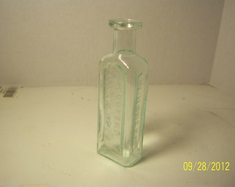 1860's Homer's Cooking Extracts Boston, Mass 4 1/2 inch tall  aqua bottle