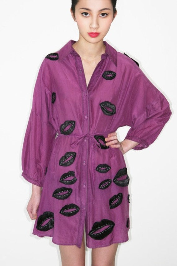 quirky & cool vintage KENZO 1980s surrealist silk lip print shirt dress