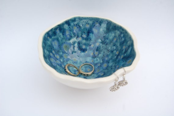 Pottery Jewellery/Ring Bowl, Ideal for Your Precious Things