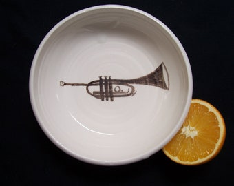 Trumpet cereal bowl