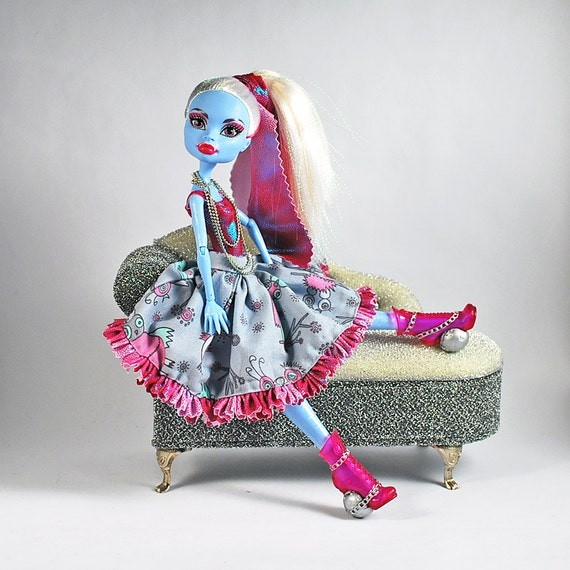 Handmade doll fashions for Monster High doll frilly pleats dress with Love birds details and extra long necklace