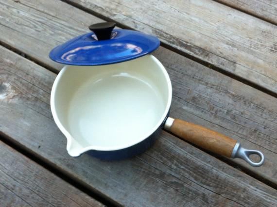 Le Creuset Sauce Pan Blue 1 1 2 Qt With Pour Spout