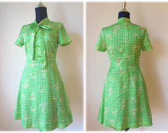 Sale 50% OFF from 28 US to 14 US - 60's Shining Green Silk Satin Dress with Bow Tided // Size S