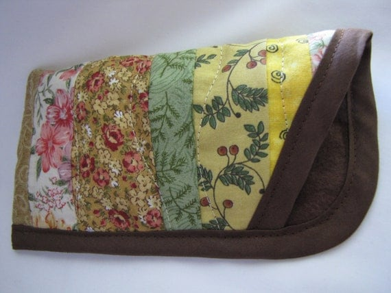 Eye glasses soft case - Quilted whimsical design - Brown
