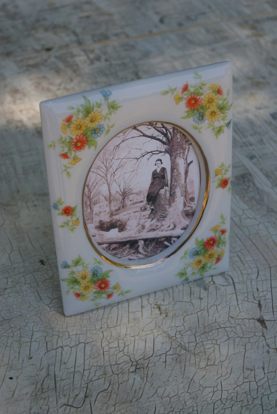 Lefton China Picture Frame Or Picture Holder