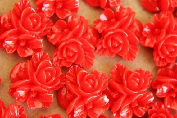 20 pc. Crimson Red Flower Bouquet Cabochons 16mm - RES-317