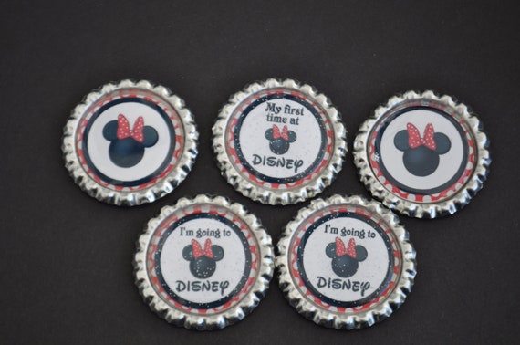 FInished Disney Vacation  GLITTER bottlecaps--- Set of 5---For hairbows, jewelry, magnets, scrapbooks, picture frame,Minnie mouse