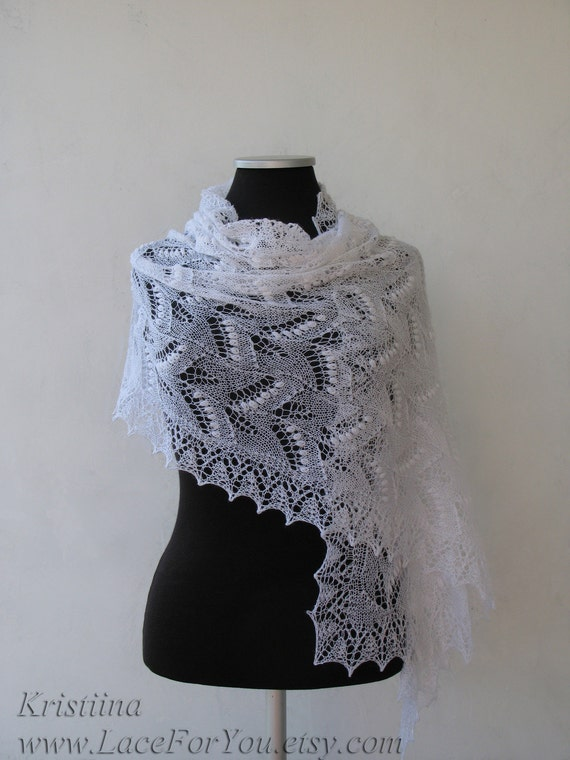 SALE White wedding lace shawl, Haapsalu bridal stole
