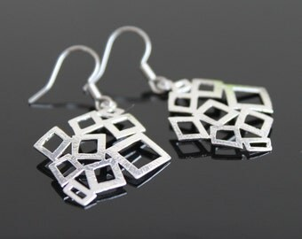 Geometric silver earrings, diamond earrings, simple everyday jewelry.