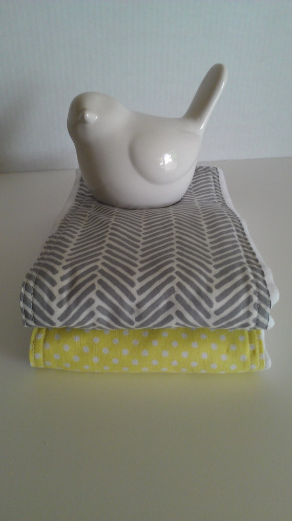 Gray Organic Herringbone/Yellow Dots Diaper Burp Cloth Set