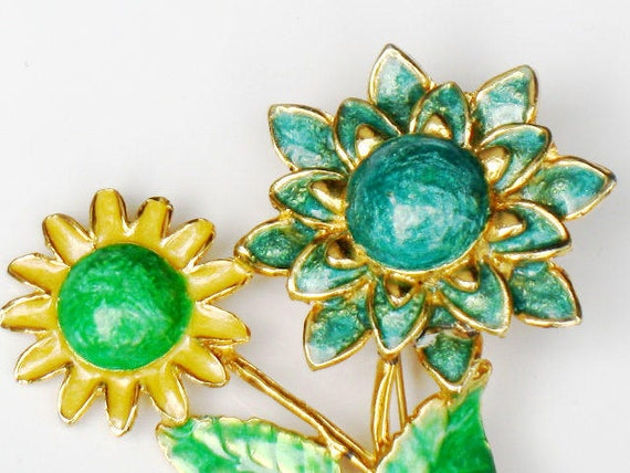 Daisy Enamel Brooch Flower Jewelry Collectible Statement Vintage  Yellow Green Turquoise