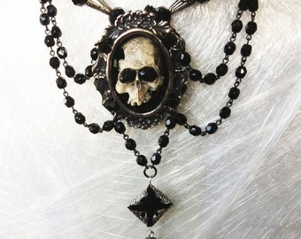 Contessa Mortisha Mourning  Tudor Gothic Necklace