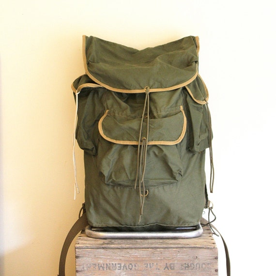 Vintage Canvas Backpack - Military Green