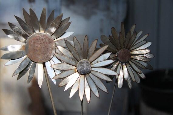 3 Metal Art Garden Flowers