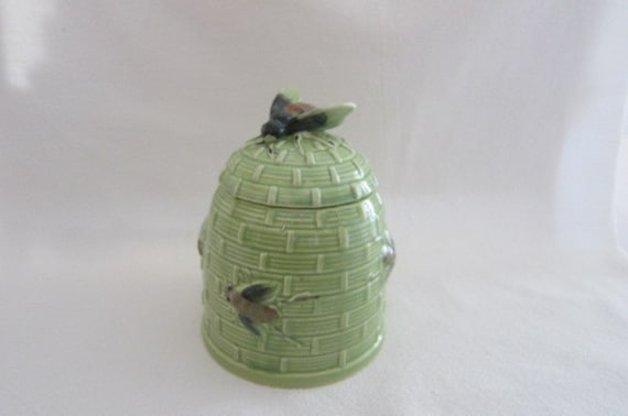 Mid century decor honey bee vintage house wares by glasspansy for Bee decorations for the home